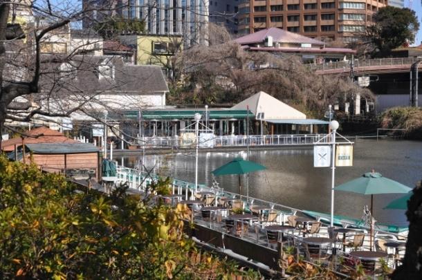 Le Canal Café constitue un break idéal avant ou après s'être promené dans Kagurazaka